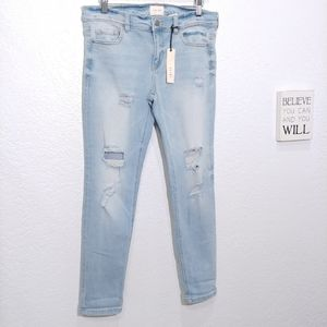 id:23  light wash  distressed ankle skinny  jeans